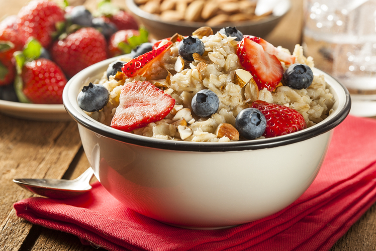 fight bloating and belly fat with oatmeal
