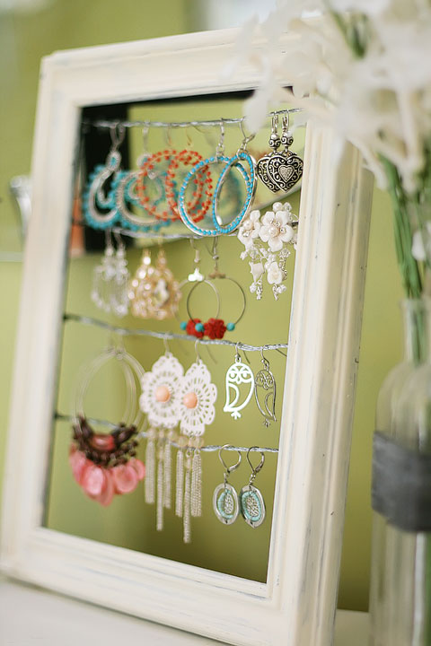 shabby-chic-altered-picture-frame-dangly-earring-jewelry-display-holder-3