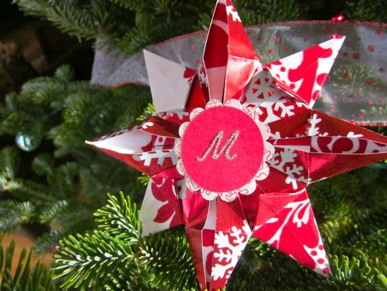 Make a unique Christmas ornament