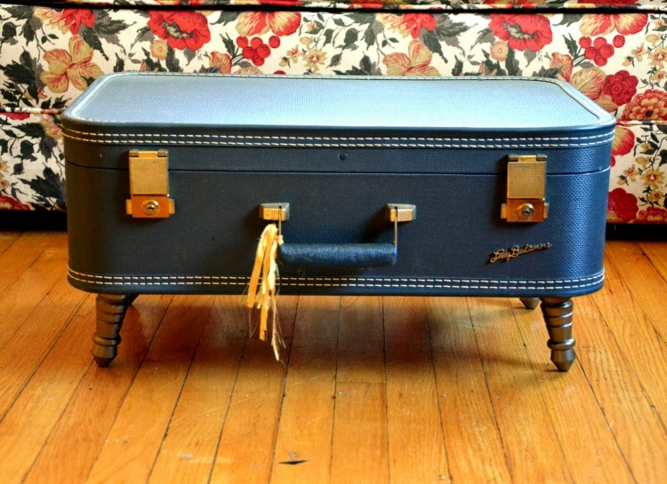 Turn a suitcase into a coffee table