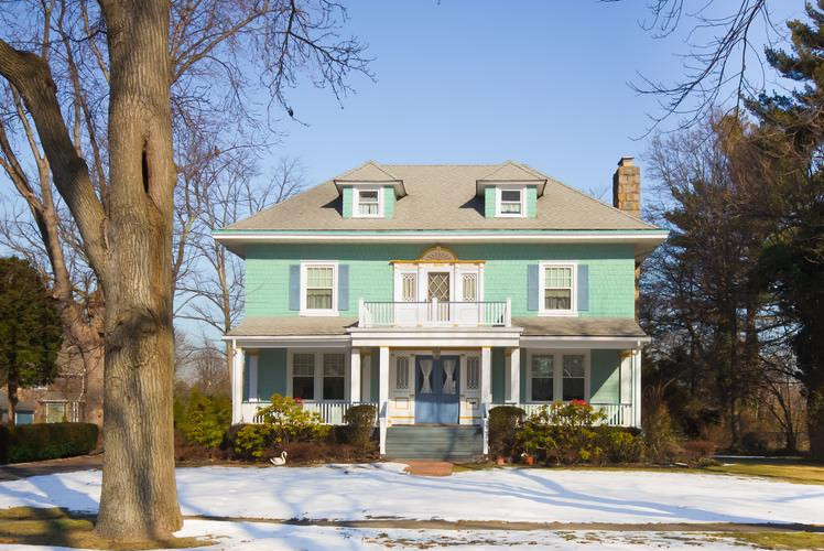 Ways to Give Your Home Beautiful Curb Appeal in the Winter