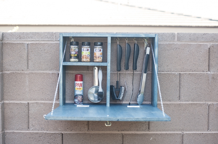 Outdoor BBQ Serving Station