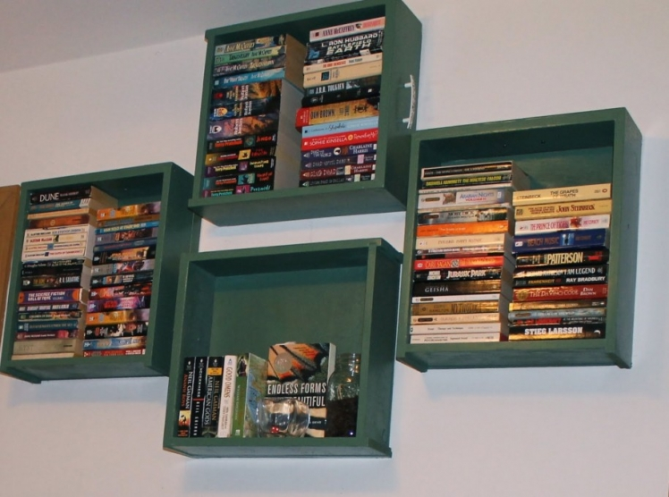 Turn old drawers into shelves