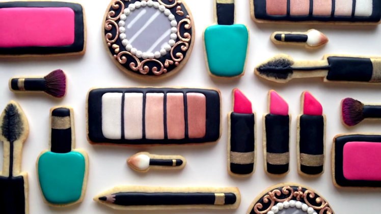 Makeup-Themed Cookies