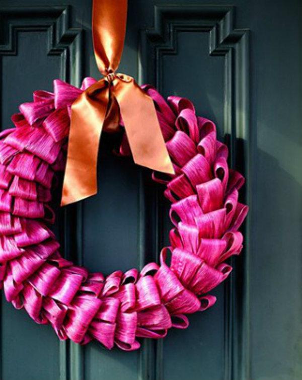 Carry a corn husk wreath