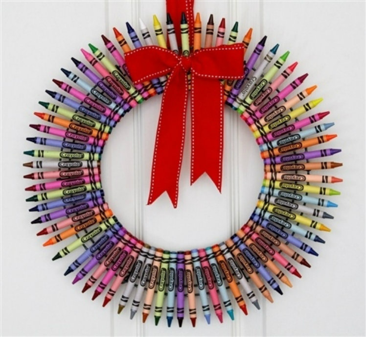 Craft the crayon wreath