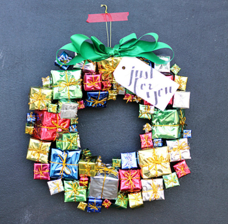 Give a gift box wreath