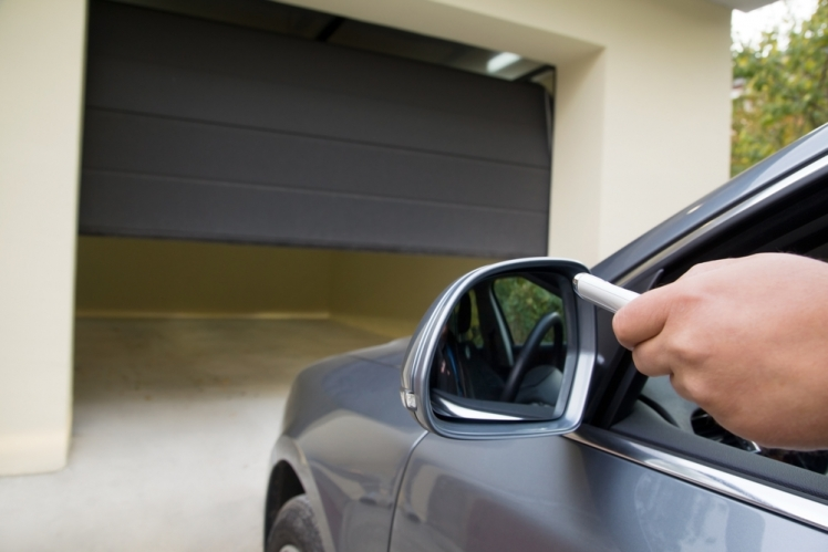 How to Choose the Right Garage Door Opener