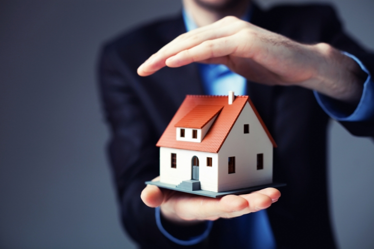 Lower your house and auto insurance costs easily