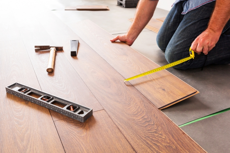 Lower your laminate flooring costs