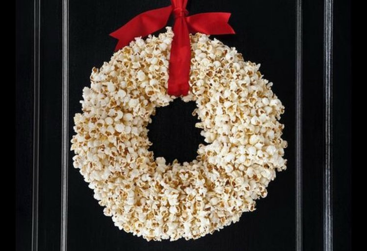 Pile on the popcorn wreath