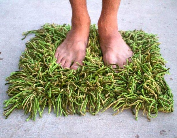 Crochet grass rug