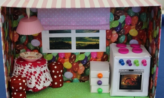 Shoebox doll house