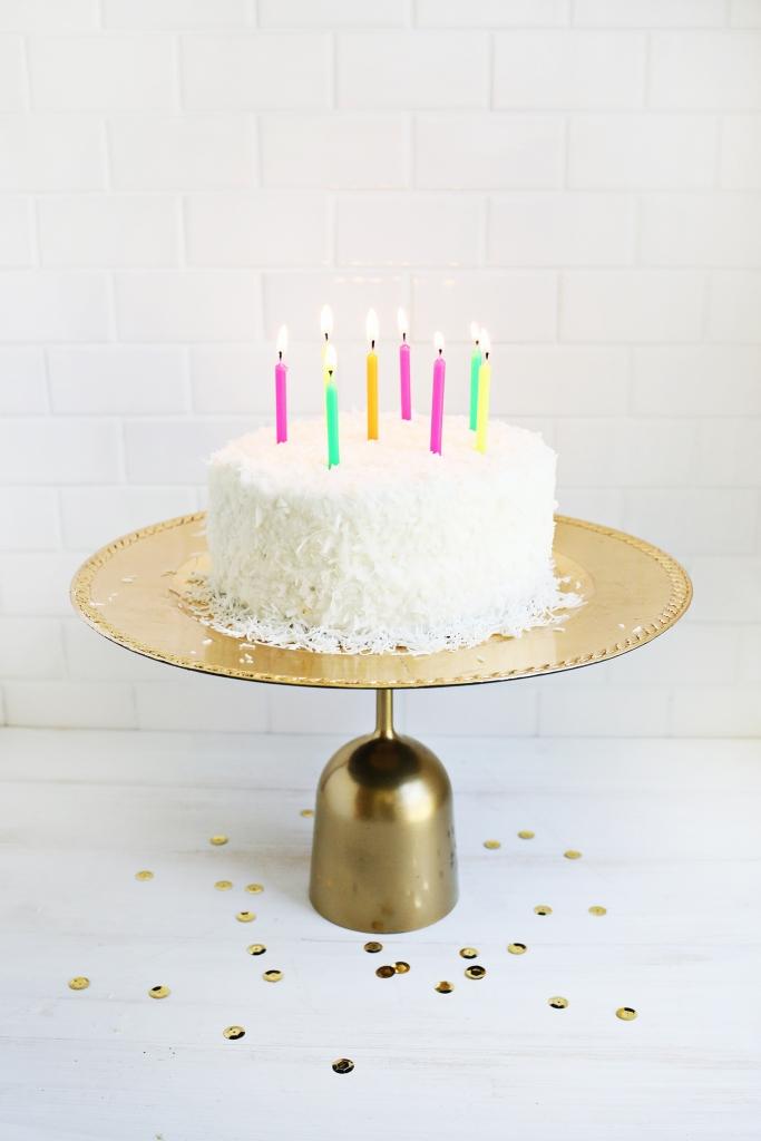 plastic cake stand