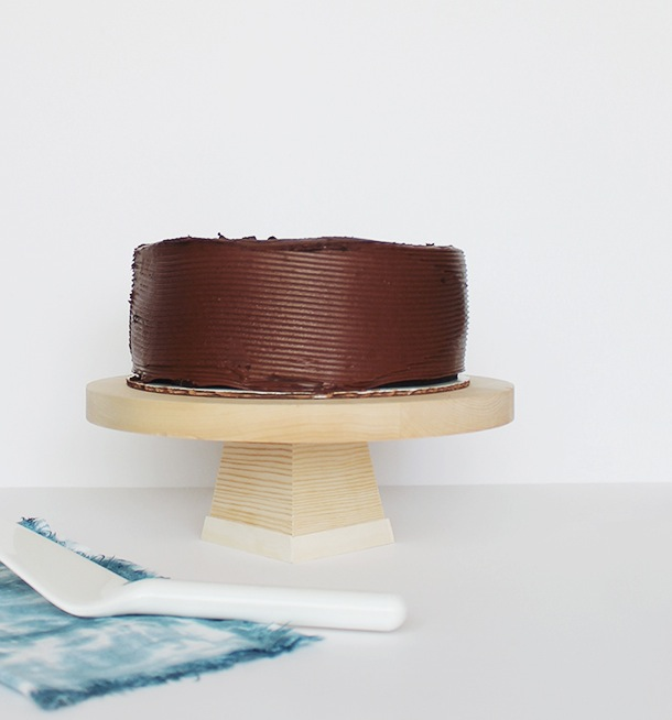 wood cake stand