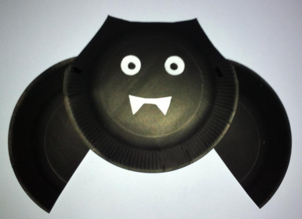 paper plate bat