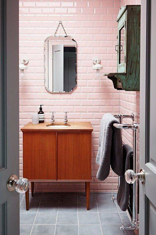 Pink bathroom-2