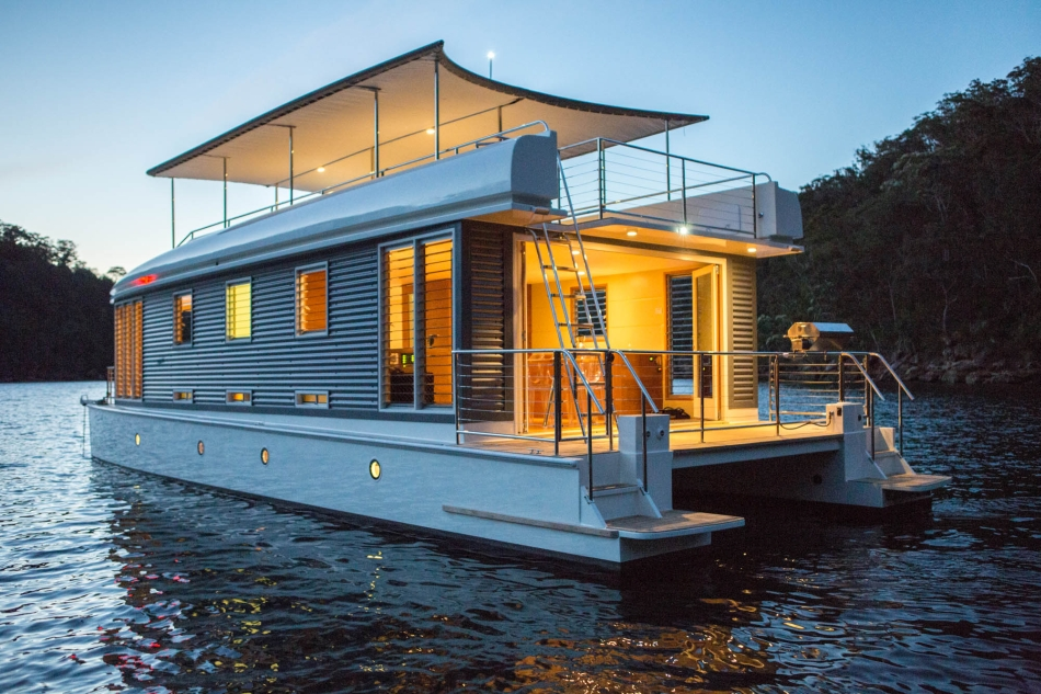 Boat Living : 10 Reasons to Live on a Houseboat - Reliable Remodeler