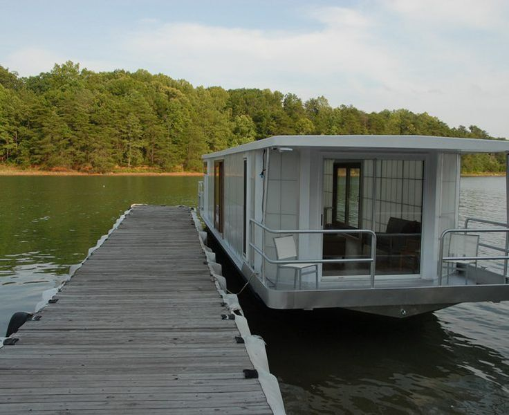 10 Reasons To Live On A Houseboat - Reliable Remodeler