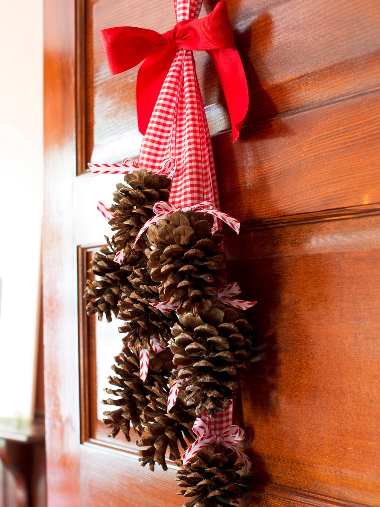 #10 Pinecone Door Hanger