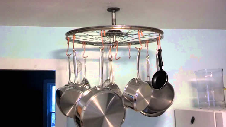 Make a pot rack out of a bicycle wheel