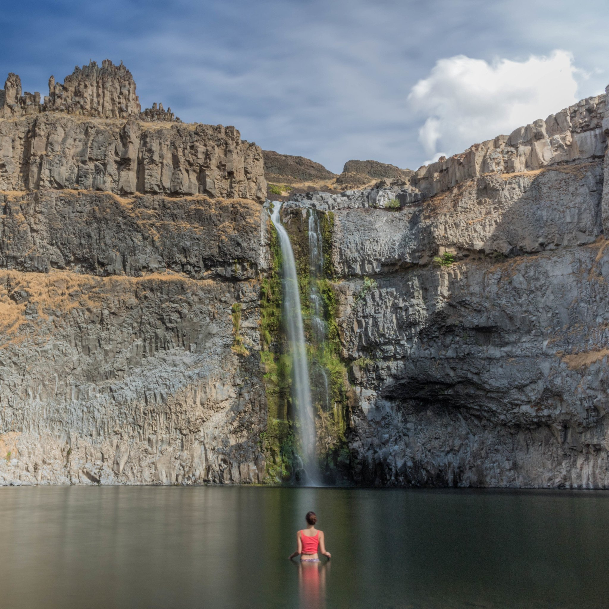 Places In The United States To See Before You Die: Scenic Places In The USA: Awe Inspiring Waterfalls