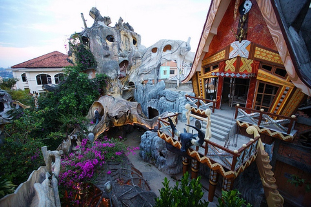Crazy House Hotel