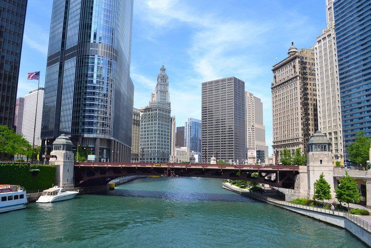 Go on the Chicago Architecture Foundation River Cruise