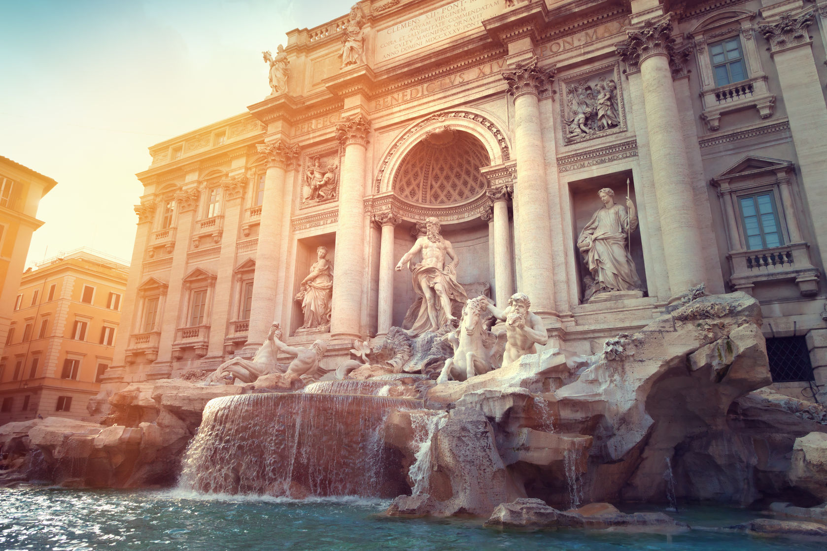 15 Places to Visit in Your 30's - Trevi Fountain