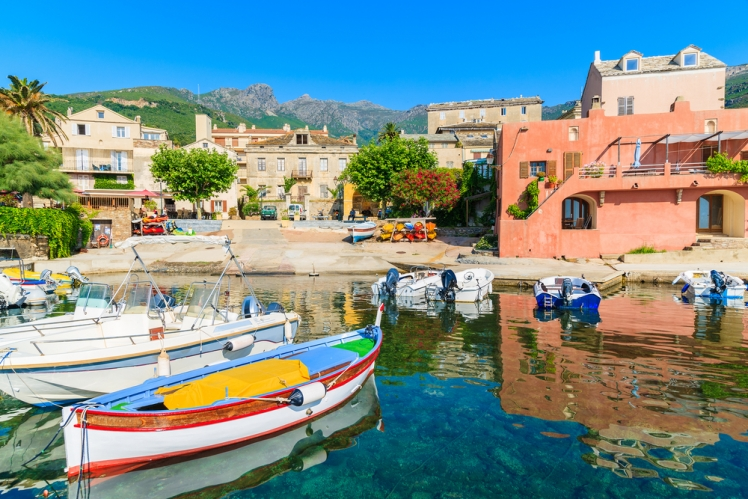 Mountain Hiking and Sea Kayaking in the Compelling Corsica