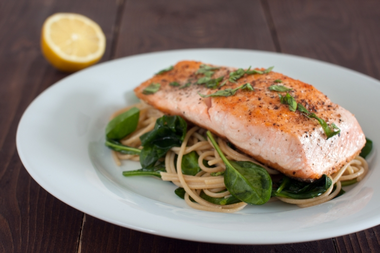 Salmon and spinach with pasta
