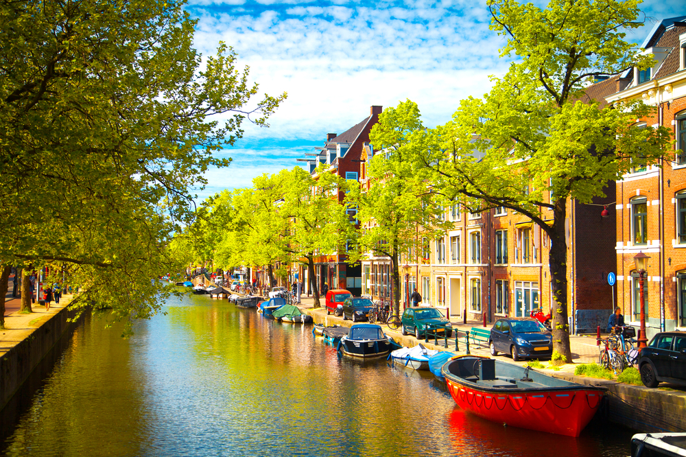 Explore the Canals of Amsterdam