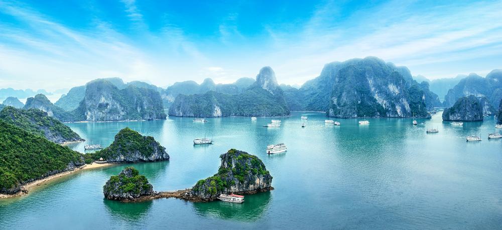 Ha Long Bay panorama