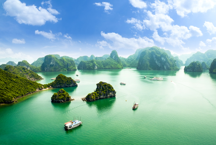 Vietnam-Ha Long Bay