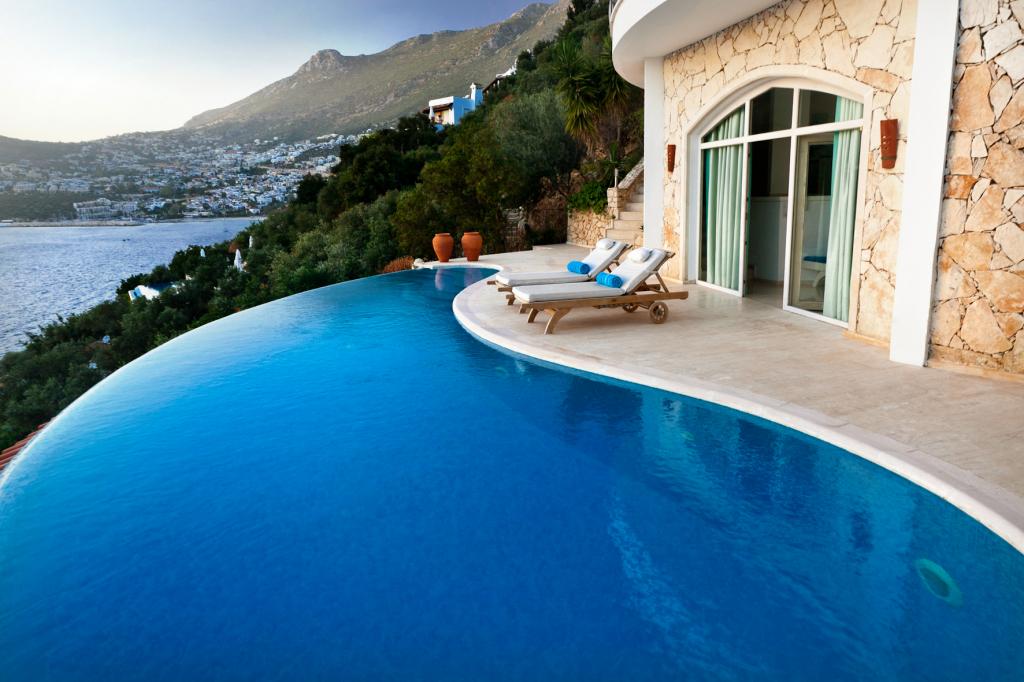 villa mahal infinity pool