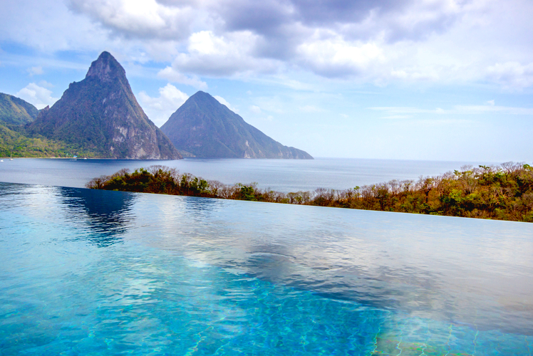 infinity pool-st lucia