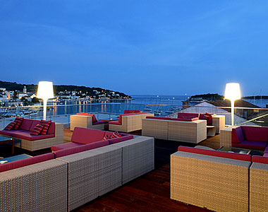 16. The Top Bar, Adriana Hotel || Hvar, Croatia
