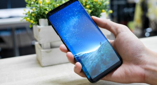 Choosing between the Samsung Galaxy, iPhone and Google Pixel 2 phones