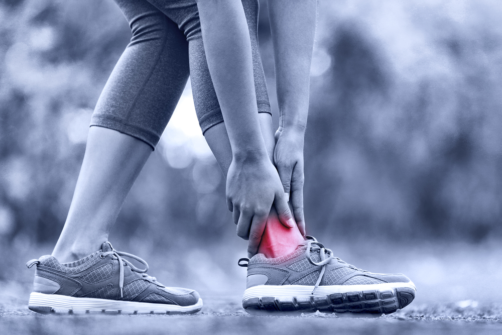 What Are the Key Symptoms of a strain or sprain?