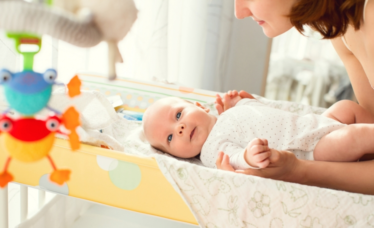 6. Changing table