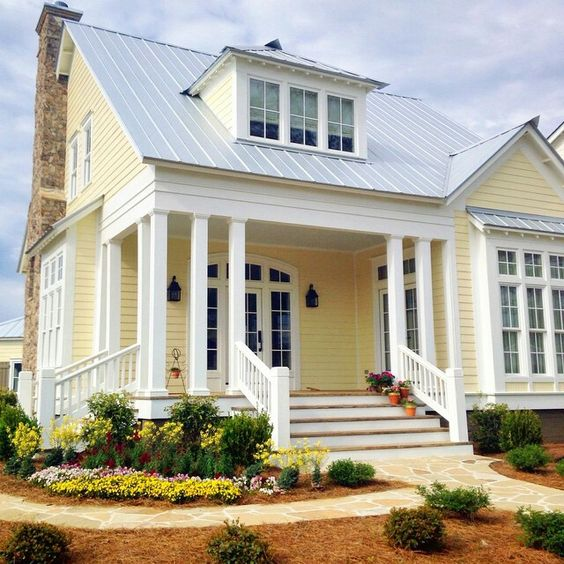 Sell Your House: 6 Exterior Paint Colors That Add Instant