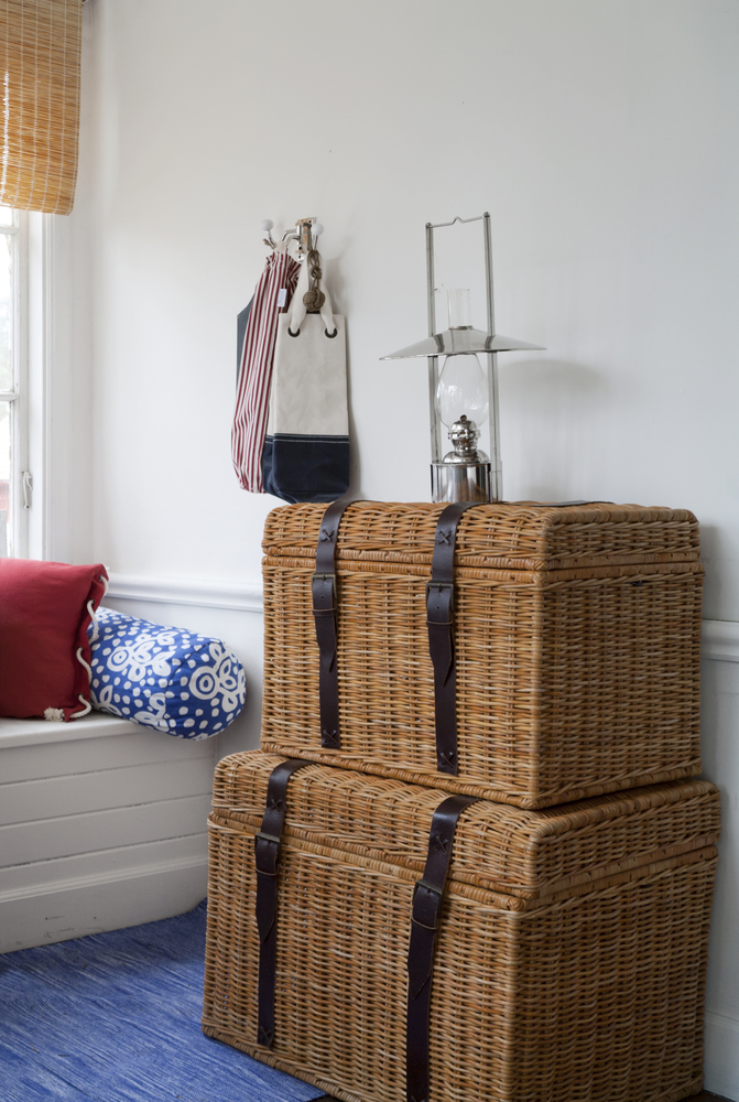 Store towels in stylish wicker baskets