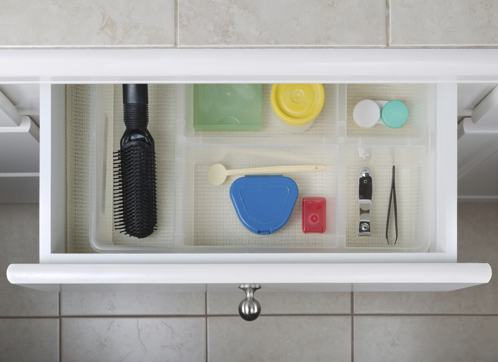 compartmentalize your bathroom drawers