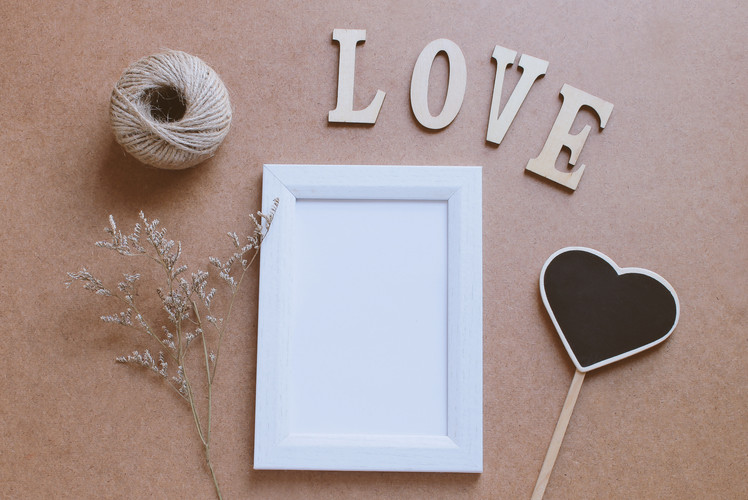 Decorate Picture Frames