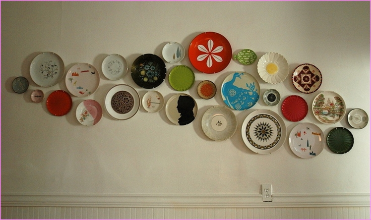 Cover a wall with plates