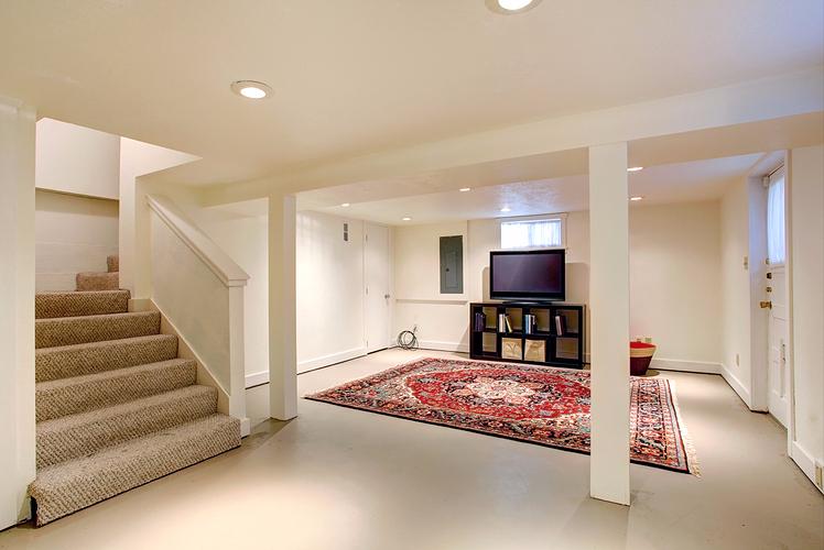 Floors that reflect Light