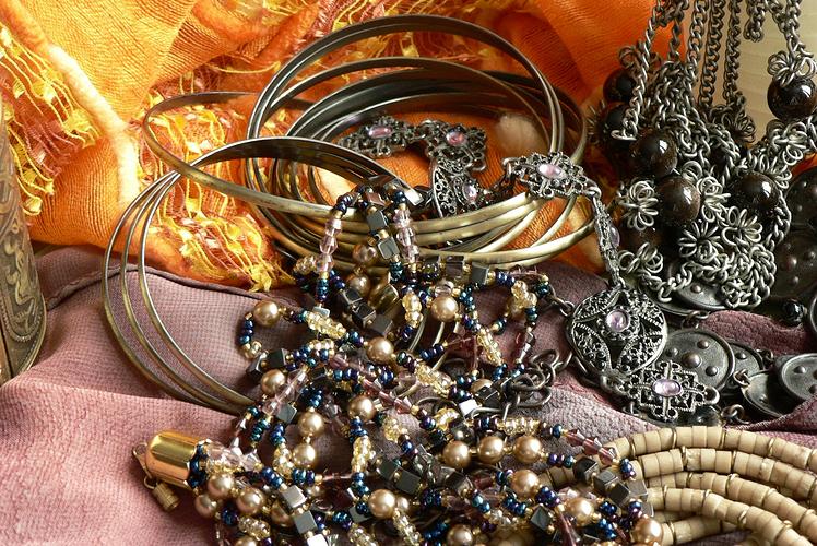 Jewellery and Belt Holder