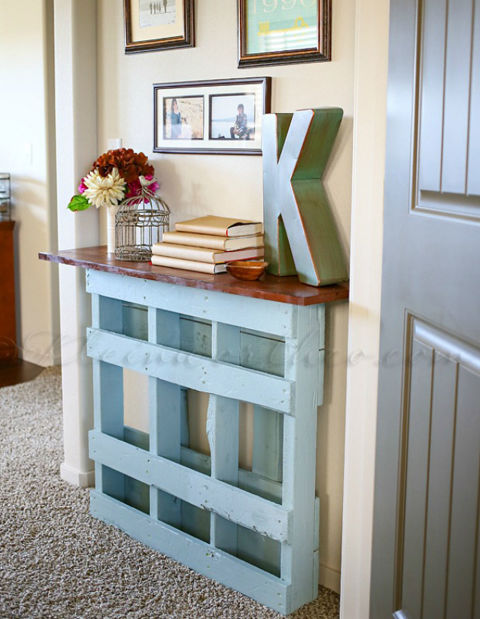 Shipping pallets into home decor