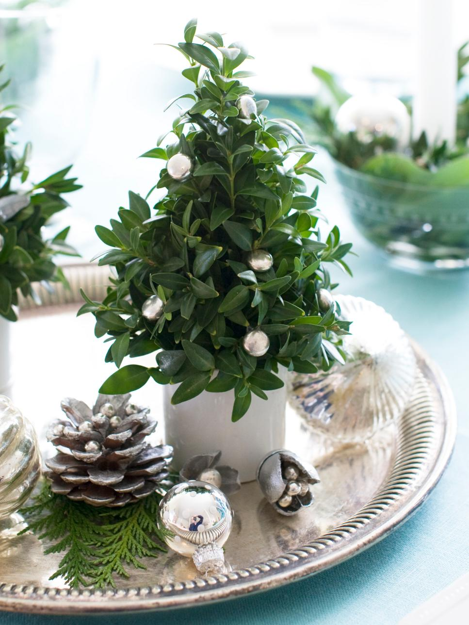 25 Diy Craft Ideas For Christmas Table Decorations Reliable Remodeler