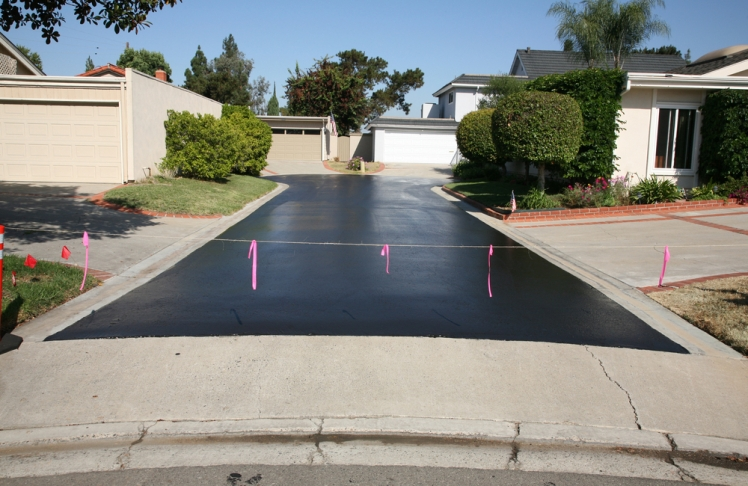 Sealing the Driveway With a Special Coating